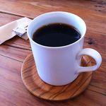 ハーグカフェ - ドリンクセットにしました。。。ホットコーヒーです