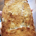 阪神梅田本店 パンワールド - 夢飛行さんのくるみ食パン。焼きすぎた