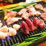 宮崎鶏焼 とさか  - 鶏焼き