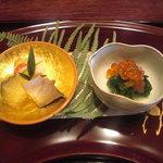 畑善 - 料理写真:子持昆布、煮鮑、手綱寿司、菜の花と塩いくら。