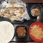 牡蠣と魚 海宝 - 秋刀魚とキノコと玉葱音頭♪