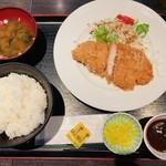 おきらく食堂 - 三元豚のロースカツ定食