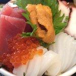 まさる - ランチのスペシャル海鮮丼2000円