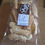 野方 金時煎餅 - 野方 金時煎餅:梅の里