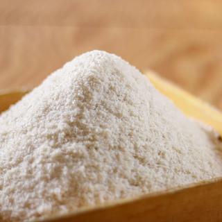 こだわり抜いた自家製パン粉