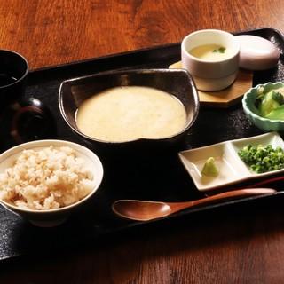 ★麦飯おかわり自由のとろろ御膳