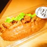 トミー コージー - 炭焼きチキンドッグ 378円(税込)【2018年9月】