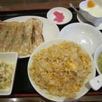 北京料理 方庄 - チャーハンと餃子のセット