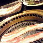 炭火焼肉 李壽 - サムギョプサル