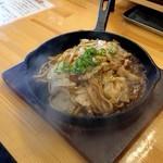 焼そば専門店 突貫亭 - 連れの太麺、ソース味、肉1、野菜大盛(見た目変わんないけど(笑)