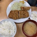 115744763 - 上ロースかつ定食(1,200円)  海老フライ(270円)