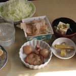 うまいものや 麺遊喜  - 見よこの小鉢。サービス精神旺盛