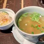 115760711 - 生春巻きとスープ