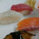 丸喜寿司 - にぎりの図