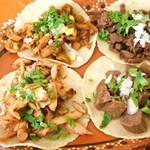 メキシカンフード ドスマノス - 料理写真:メキシカンタコス
