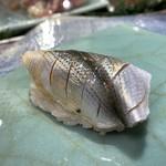 第三春美鮨 - 新子 一枚付け 小型定置網漁 佐賀県大浦