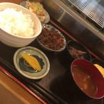 ふた村 - おかんの弁当みたいな味の茶色のおかず