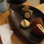 恵那川上屋 - 味比べセット ドリンクは煎茶