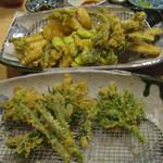 東京遊膳 ひのき亭 - 山菜の天ぷら盛り合わせ