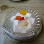 茶ろん もも - 杏仁豆腐