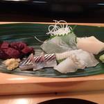 福水 - 料理写真:左から ミンククジラ、秋刀魚、真子ガレイ、石ガレイ、帆立