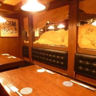 新橋で33年!店内はレトロな雰囲気で昭和を感じさせます。