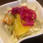 ラ・パレット - 季節野菜マリネとレタスのサラダ