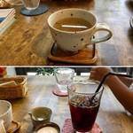 ジャム cafe 可鈴 - 食後のドリンク(上がクーリー(ハーブティー)、下がアイスコーヒー)