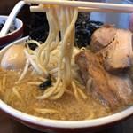 ラーメン みなもと屋 - 麺