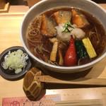 sobakirimiyota - 季節限定 秋鮭の柚子蕪おろしそば 799円(税込)