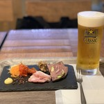 ショコラティエ マサール - 北海道シャルキュトリー盛り合わせ & 生ビール