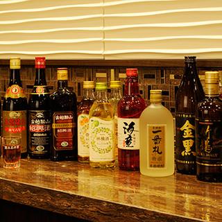 紹興酒はソーダ割もおすすめ。定番のドリンクメニューも豊富です