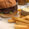 シェリーズバーガーカフェ - 料理写真:ハンバーガー