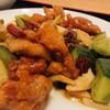 龍駿園 - 料理写真:辣子鶏丁(唐辛子と鶏肉の炒め)