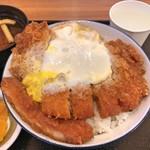 とんかつ 銀座梅林 - 銀座梅林のカツ丼(ご飯大盛り)(アップ)