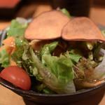 ヤサイ串巻ベジィタ - お通しサラダ山芋ドレッシング