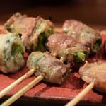ヤサイ串巻ベジィタ - 左から、レタス、小松菜、椎茸