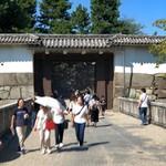 あつた蓬莱軒 - 現存する門