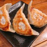 下北グレイヴィ餃子 - 肉汁焼餃子 3ケ 280円