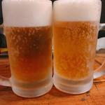 下北グレイヴィ餃子 - 生ビール 480円