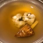 115858675 - 鱧と松茸のお椀。ため息のでる美味しさです。