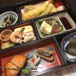 115858679 - 京の懐石弁当 3,800円。京都らしい仕事が随所に込められています。