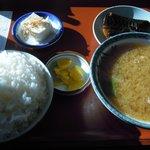 食堂SS - 豚汁定食(620円)。