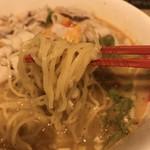 ヌードルダイニング 道麺 - 料理写真:麺リフトアップ