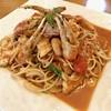スタジョーネ - 料理写真:ズワイガニと魚介のトマトソース