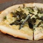 酒と魚菜 さかもと - しらすピザ