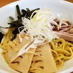 龍 - ろん麺