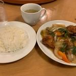 南海飯店 - 日替りランチ(鶏のうま煮) @680-
