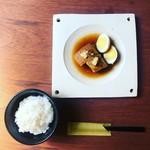 cafe 二軒堂 - 豚の角煮定食