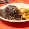 シーザー - 料理写真:豚トロ焼き付き黒カレー